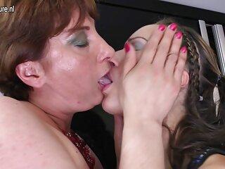 Golpeando a la películas pornográficas en español hermosa morena Holly Michaels
