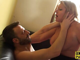 Naomy pelicula erotic online en Woodman
