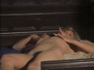 Follada a una belleza apasionada en el sofá en ver porno online español un coño estrecho