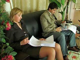 Dos hombres toman una peliculas x private actriz porno